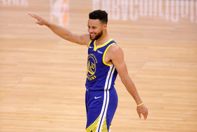 Steph Curry says he busted out a new celebration after checking Twitter at halftime to get motivation
