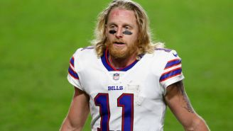 People Are Mad At Bills' WR Cole Beasley For Saying He Doesn't Wear A Mask Outside