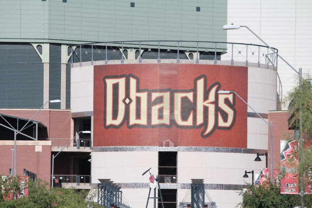 couple goes viral at Diamondbacks game calls it quits