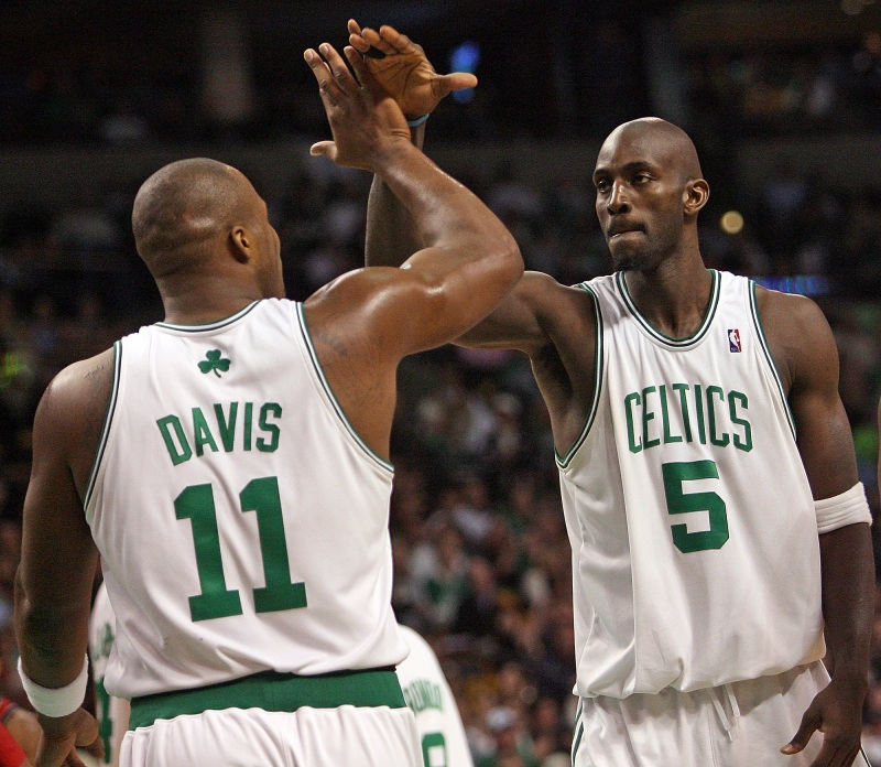 Kevin Garnett Snatching Glen 'Big Baby' Davis' Soul In An Arm Wrestling Match Was The 'Most Insane Thing I've Ever Seen,' According To Brian Scalabrine