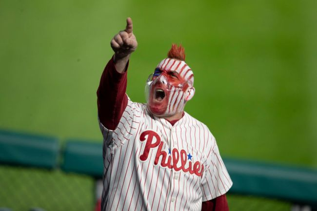 phillies fan foul ball catch ice cream