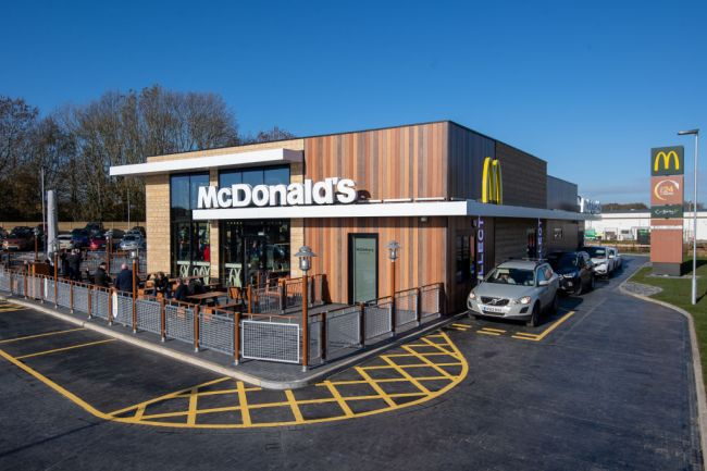 McDonalds Worker Quits With Posting On Drive Thru