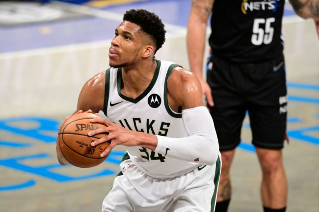 Giannis Antentokounmpo Milwaukee Bucks