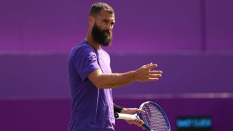 French Tennis Player Benoit Paire Gets Booed And Penalized For Tanking His Wimbledon Match In Hilarious Fashion