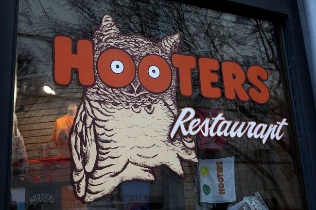 """A self-described """"flat-chested"""" med student working at Hooters reveals how she maximizes her breast size in viral TikTok video."""