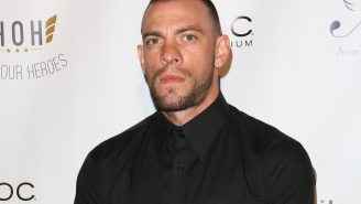 """Video Shows MMA Fighter Joe Schilling Viciously Knocking Out Drunk Guy At Bar, Claims 'Self Defense"""" Afterwards"""