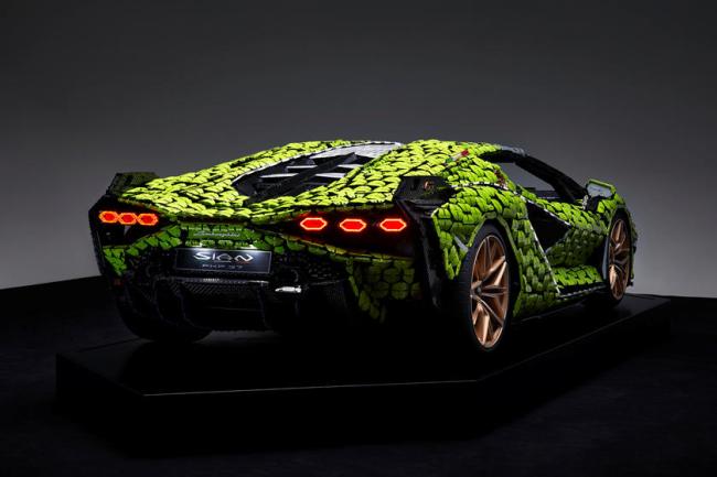 Life-Size Lamborghini Sian Made Of LEGO Took Over 400000 Pieces