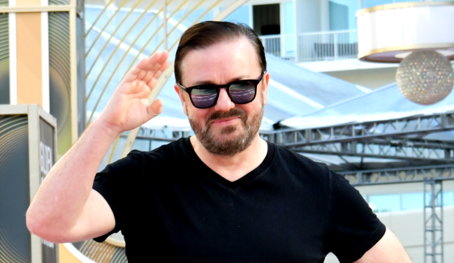 Ricky Gervais Stand-Up Joke About People Who Get Offended On Twitter
