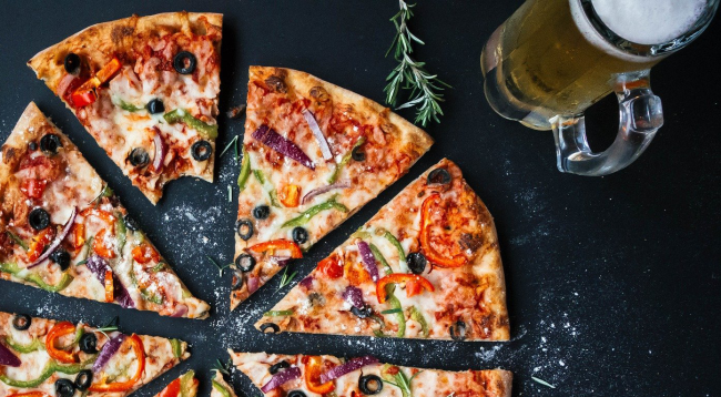 TikToker Shows How Employees Can Steal A Slice Of Your Pizza