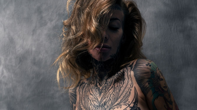 Woman Who Tattooed 95 Of Her Body Covers Them With Makeup