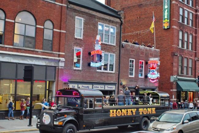 Nashville Party Bus Broadway