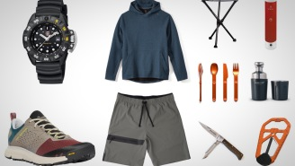 10 Everyday Carry Essentials For A Weekend Of Camping Off The Grid