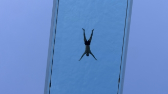 The World's First Floating Pool Is Unveiled In London 115 Feet Above Ground And, I Can't Stress This Enough, Nope