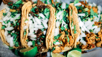 Food Hack Showing Why Street Tacos Have Two Tortillas Is Blowing Minds (Even Though It's Probably A Lie)