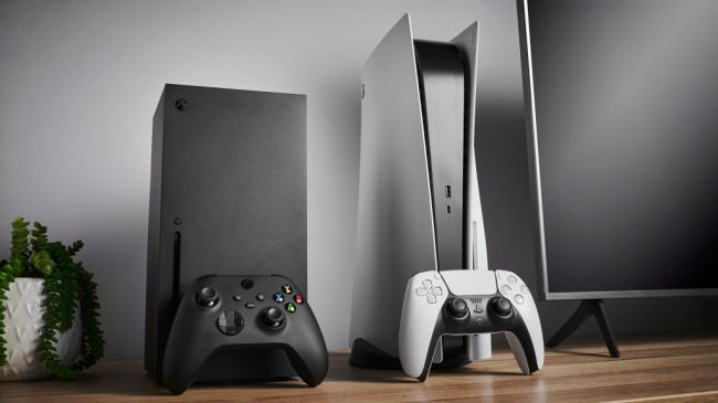 16-year old high school student Max Hayden made $1.7 million by reselling of the PS5, Xbox Series X gaming consoles, swimming pools,, and Pokemon trading cards.