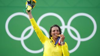 Australian Olympian Jess Fox Used Her Free Condoms To Save Her Damaged Kayak, Won A Gold Medal