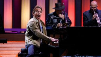 Dennis Quaid Randomly Showed Up At The Grand Ole Opry And Played His New Single With Country Music Stars