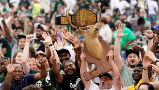 Giannis Anetotokounmpo Hilariously Trolled The Haters With A Free Throw During A WILD Milwaukee Bucks Parade