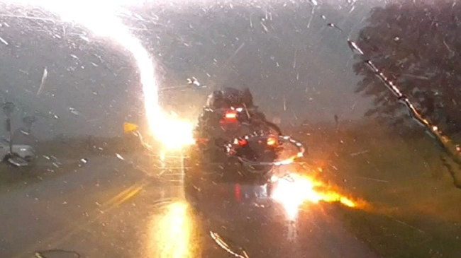 Jeep Grand Cherokee Gets Struck By Lightning In Frightening Video
