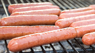 The Internet Is Baffled By 'Round Hot Dogs' Being Sold By A Company That SWEARS They're Not Just Bologna Slices