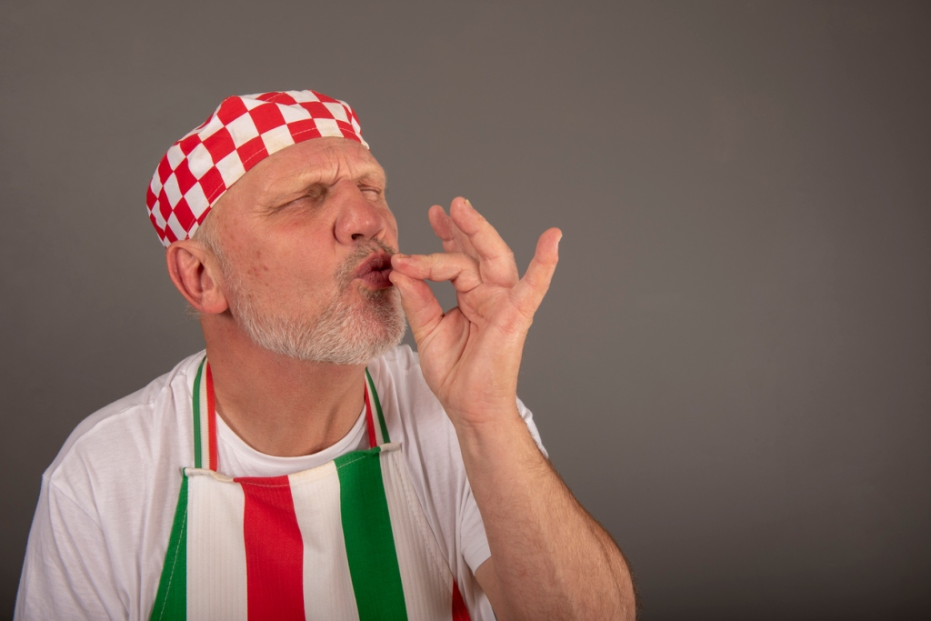 Italian tourists attack Italian chef because Spaghetti Alle Vongole recipe is wrong