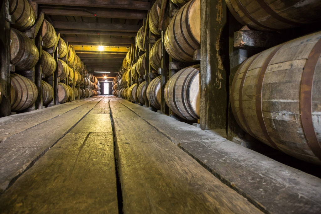 world's oldest known bourbon sold for $137,000