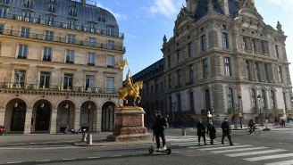 Parisian Thieves Make Off With $3.5M In Jewelry While Bystanders Were Distracted By Jean-Claude Van Damme