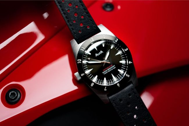 Best Men's Watches And Other Fashion Drops You Can't Miss This Week