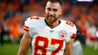 Chiefs' Travis Kelce Shaved His Beard And Looks Completely Unrecognizable In Recent Picture