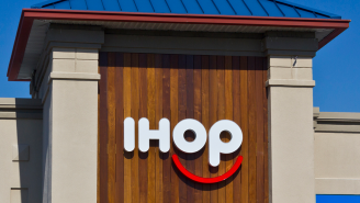 America's Hottest New Brunch Spot Is IHOP Now That It's Added Mimosas And Other Drinks To Its Menu