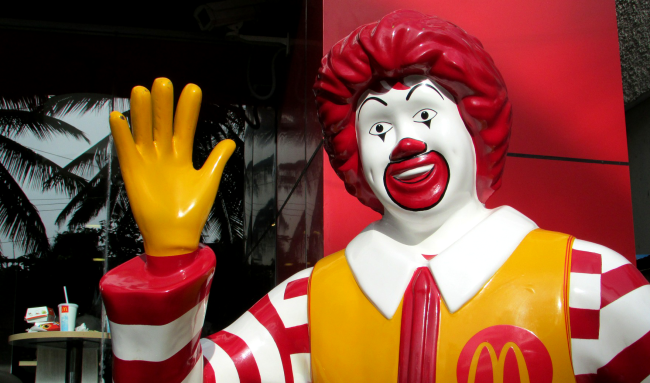 McDonalds Employees Left baffled By Customer's incredible 3400 Order