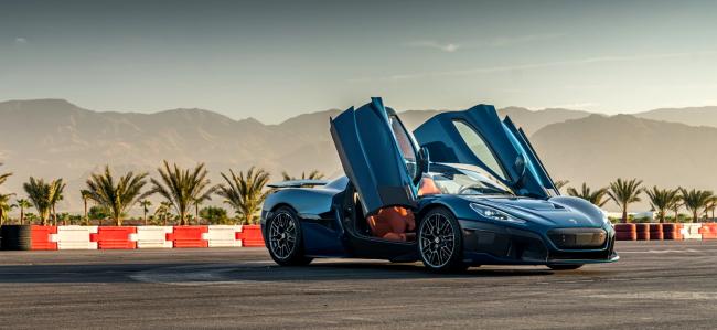 Rimac Nevera Beats Production Car Speed Record Tesla Model S Plaid drag race