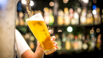 Tweet Showing A Glass Of Beer Costing $28 At The Airport Has Travelers Fuming