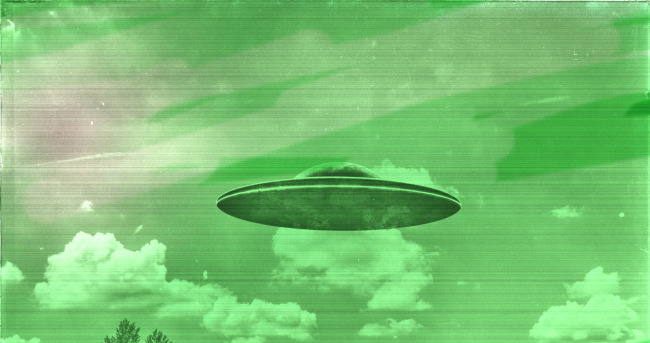 Two Planes One Military Report Seeing Bright Green UFO Over Canada