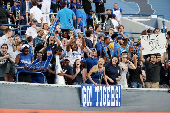 Memphis Fan Streaking