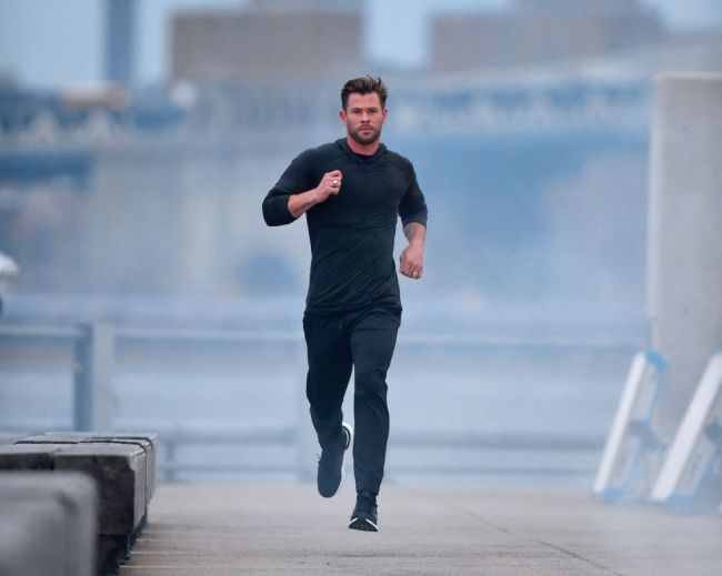 Chris Hemsworth trainer explains how Thor star got in shape, celebrity trainer says intermittent fasting and recommends against protein powders.