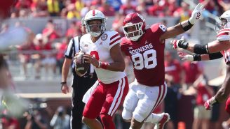 WATCH: Oklahoma Made An UNBELIEVABLE One-Handed INT And Gus Johnson Had His Mind Blown