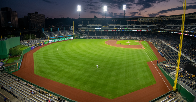 Pirates Orioles Playing In Empty Stadiums Is An Embarrassment For Major League Baseball