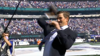 Eli Manning And David Tyree Danced On The Patriots' Grave During Giants' Jersey Retirement Ceremony