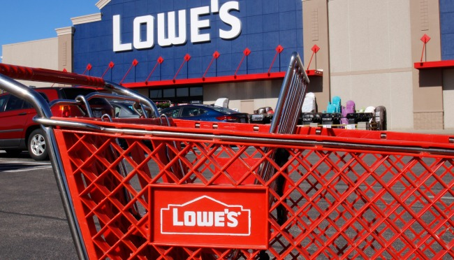 Thieves Walk Out Of Lowes With Carts Full Of Stolen Goods On TikTok