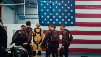 Bears TE Jimmy Graham Went Skydiving With Elite US Army Golden Knights Parachute Team