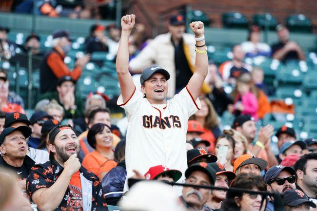 san francisco giants fan celebrates divorce jumbotron