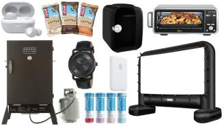 Daily Deals on Amazon: Smokers, Projector Screens, CLIF Bars And More!