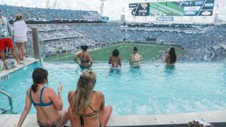 The Jacksonville Jaguars Lifeguard Has A Hilarious Piece Of Advice For People Who Are Drowning