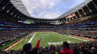 Angry British Jaguars Fans Throw Bottles On The Field After Taunting Penalty During NFL Game In London