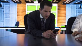 ESPN's Adam Schefter Is Getting Absolutely Crushed For Attempting To Ignore His Leaked Email Scandal On Twitter