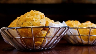 Red Lobster Is Finally Selling Frozen Cheddar Bay Biscuits And The World May Never Be The Same