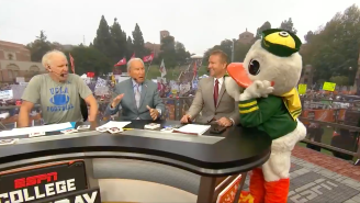 The Oregon Duck Showed Up At College Gameday And Would Not Stop Causing Hilarious Chaos