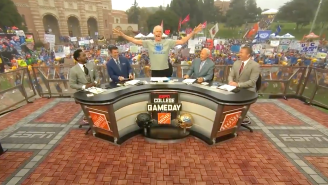 Bill Walton Called Out Alabama And Kissed Lee Corso During Extremely Hectic College Gameday