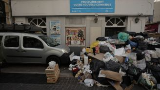 France Is Covered In Trash Because Garbage Workers Don't Want To Work More Than 21 Hours A Week